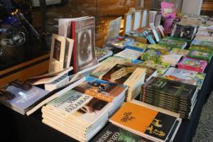 Último día de exposición de libros de escritoras misioneras