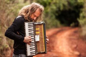 El Chango Spasiuk presentará su nuevo trabajo discográfico en Montevideo
