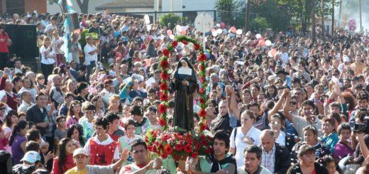 Hoy hay serenata y mañana se realiza la procesión a Santa Rita en Posadas