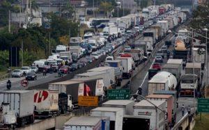 Alcalde de Sao Paulo decretó estado de emergencia por la huelga de camioneros ante desabastecimiento de combustible