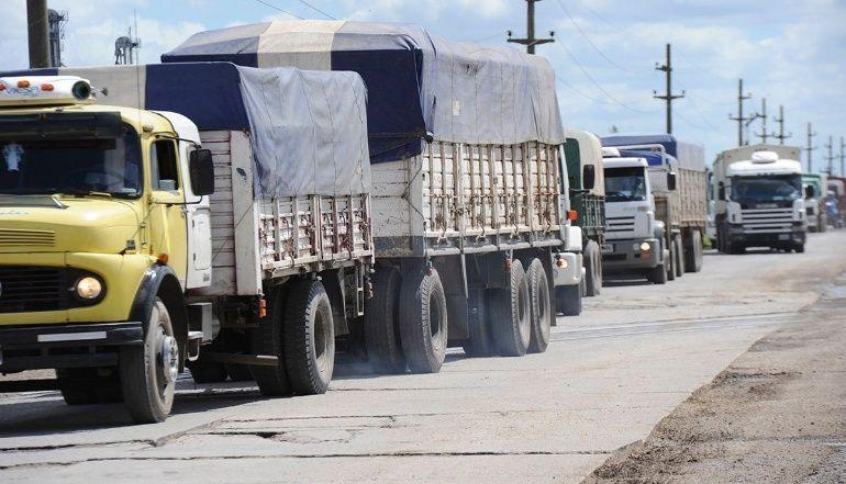Conflicto del sindicato de transporte de cargas en Santa Fe pone en riesgo más de 34 mil empleos, advierten desde las cámaras del sector