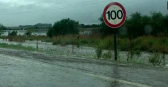 Un muerto y más de mil evacuados por un violento temporal en Entre Ríos