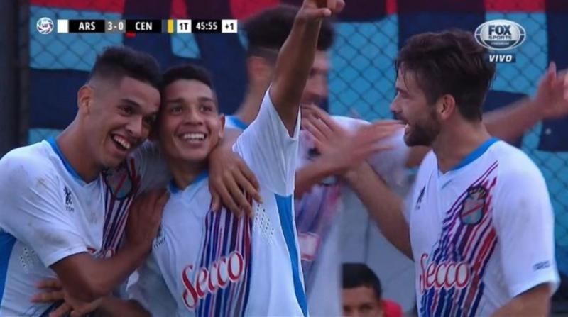 Superliga: el descendido Arsenal le ganó 4 a 0 a Rosario Central