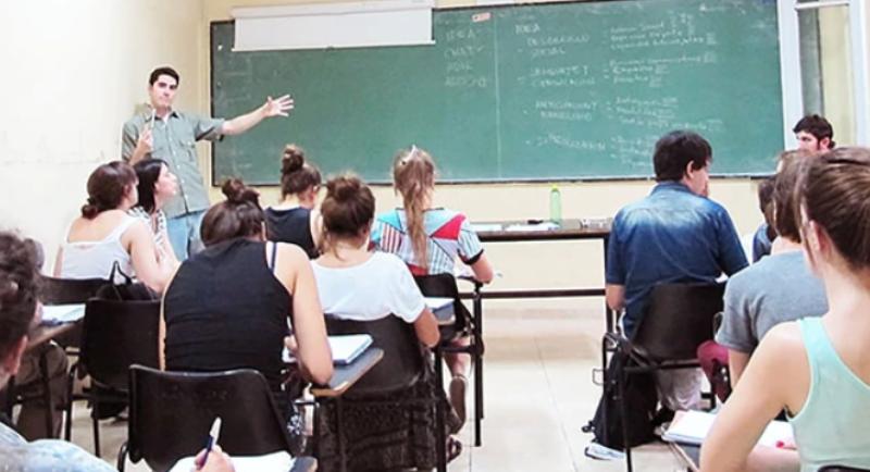 Estas son las carreras universitarias que más eligen en cada provincia