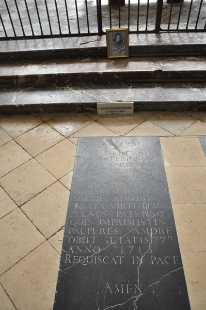 Visitando Dom Pérignon y la Abadía de Hautvilliers, en la ciudad francesa de Epernay