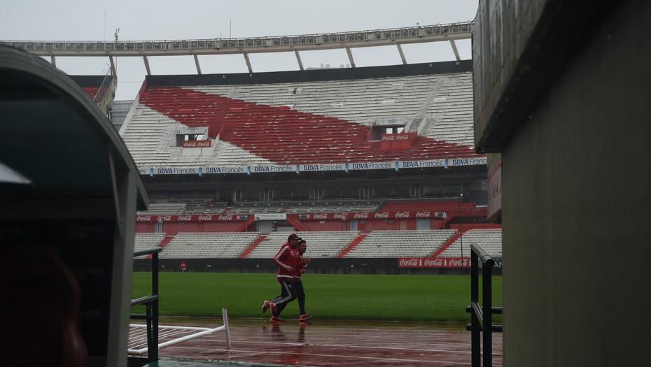 Superliga: por la lluvia fue suspendido el partido entre River y Estudiantes