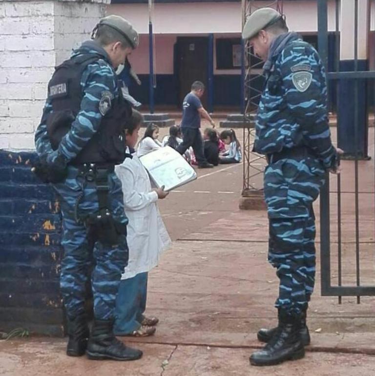 Vecinos destacan el trabajo de la Policía en Alem