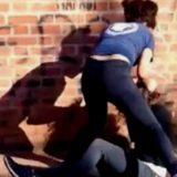 Vecinos filmaron terrible golpiza a un hombre en Jardín América