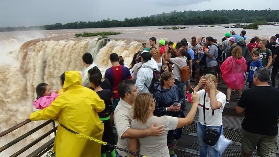 Más de 867 mil turistas se movilizarán durante el fin de semana largo en el país
