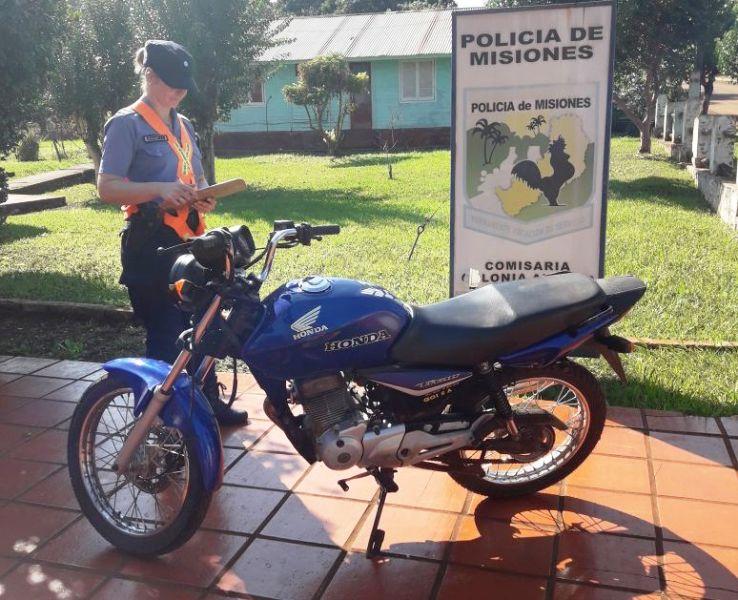 Colonia Aurora: hallaron una moto robada escondida en un monte