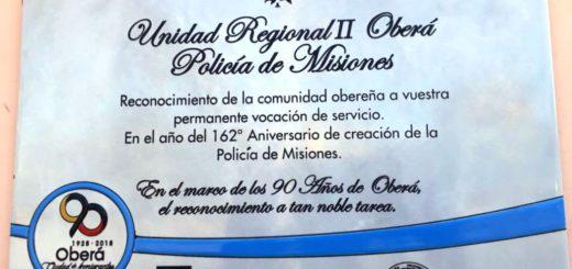 Oberá:descubrieron una placa para reconocer el trabajo de la Unidad Regional II de Policía