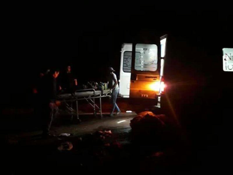 Andresito: Tres vehículos participaron de un choque, dos se quemaron y perdió la vida uno de los conductores