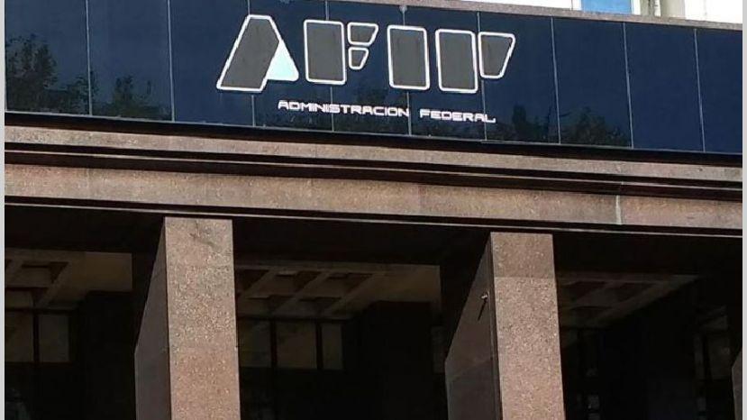 Evasión: la AFIP recibió datos de 35.000 cuentas de argentinos en el exterior