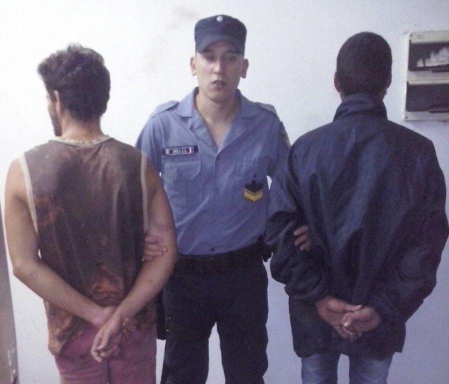 """Apóstoles: detuvieron a """"Charly biondi"""" y a otro joven por un robo registrado en cámaras de seguridad"""