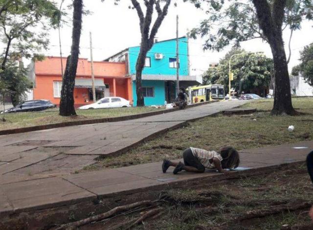Molina afirmó que lograron reducir la presencia de niños de la comunidad guaraní en lugares públicos de Posadas