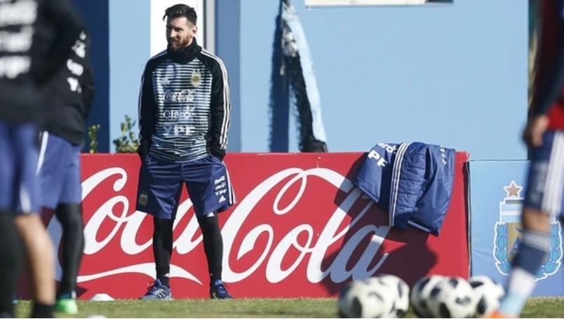 #Mundial2018: el ejemplar gesto de Messi en su llegada al predio de la AFA