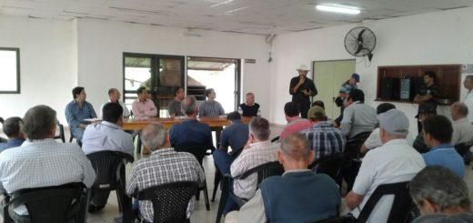 Yerba mate: productores están reunidos en Campo Viera para rechazar la desregulación