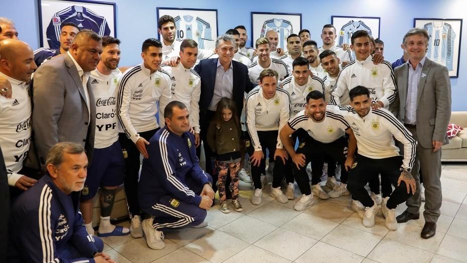 La Selección empieza el sueño Mundial: Macri fue a saludar a los jugadores