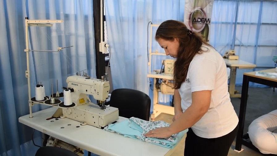 Reactivan cooperativa textil y ofrecen sus productos en el Mercado Concentrador de Posadas
