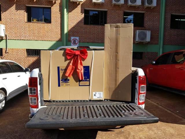 Un grupo de vecinos de Eldorado donó aires acondicionados al Hospital Samic