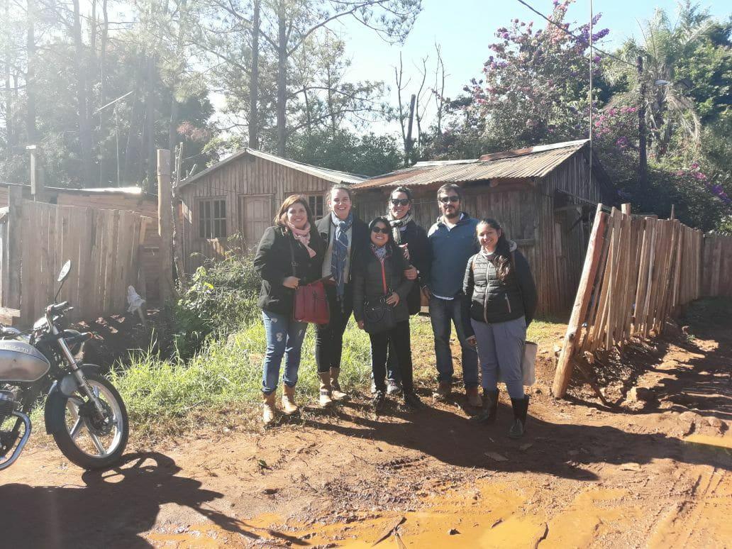 El IPRODHA trasladó a 14 familias de la Chacra 239 de Posadas, desde hoy cuentan con casa propia