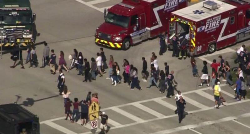 Estados Unidos: al menos 4 muertos y 20 heridos por tiroteo en un diario