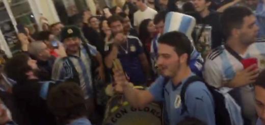 #Mundial2018: hinchas argentinos y uruguayos se unieron para reírse de la selección chilena