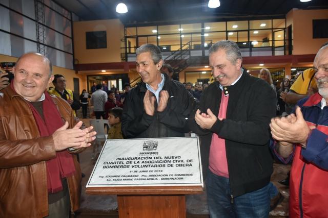 Passalacqua inauguró la nueva sede de los bomberos voluntarios de Oberá