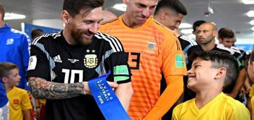 #Mundial2018: se supo cuál fue la ocurrencia del chico que sorprendió e hizo reír a Lionel Messi en el túnel