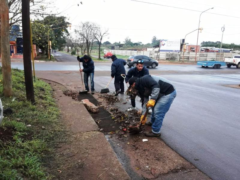 El municipio realizó operativos de limpieza en la Chacra 96 de Posadas