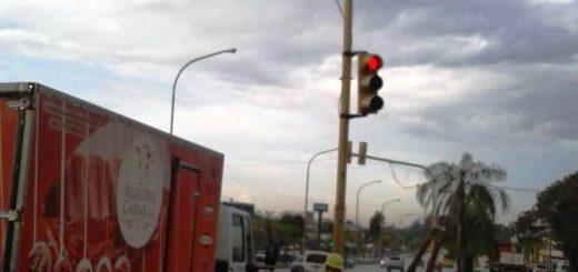 El municipio posadeño reparó los semáforos de Francisco de Haro y Maipú