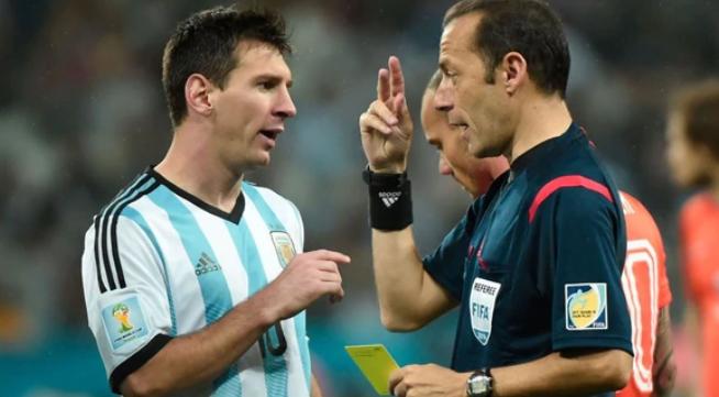 #Mundial2018: La FIFA designó al árbitro para Argentina-Nigeria: el antecedente de la Selección con el turco Cuneyt Cakir