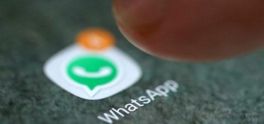 El truco para escuchar los audios de WhatsApp en privado y sin auriculares