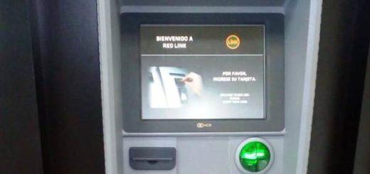 """Iguazú: la Policía detectó dispositivo en cajero automático y frustró maniobra de """"clonadores"""""""