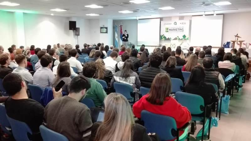 Especialistas y creativos compartieron sus experiencias en el 4º Congreso Regional de Marketing