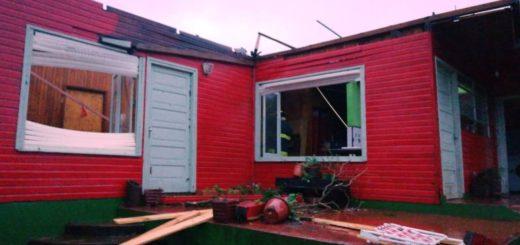 Casas sin techos, árboles caídos y cuantiosos daños dejó el temporal en Leandro N Alem