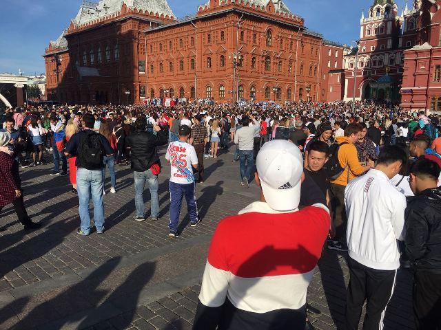Argentina invadió la plaza roja de Moscú: mirá el video enviado a Misiones Online por un hincha posadeño