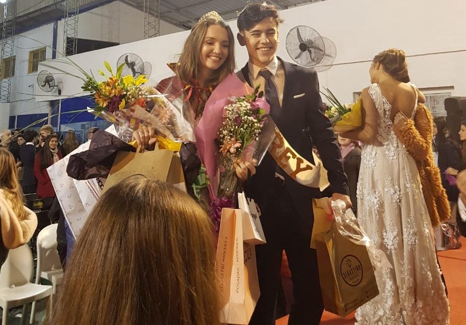 Palpitando la Estudiantina: el colegio Madre de la Misericordia eligió el viernes por la noche a sus reyes