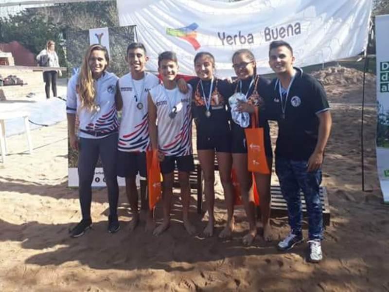 Dos misioneras campeonas en el Torneo Nacional de Beach Voley