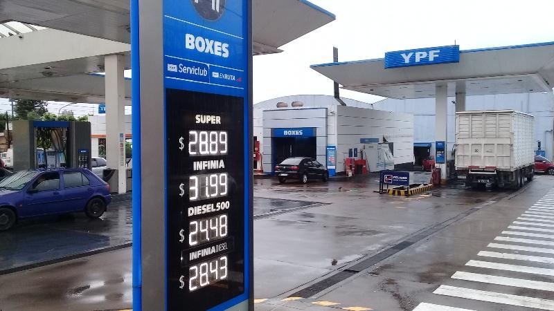 En Posadas por el momento no subieron los precios de combustibles