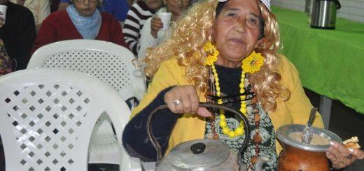 Tarde de mates y experiencias con abuelos del Centro de Jubilados San Gerardo