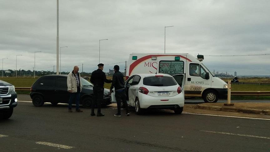 Accidente en el acceso sur en inmediaciones a la playa Miguel Lanús