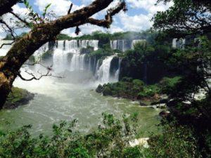 Indican que la poca lluvia en Brasil genera baja en los ríos Paraná, Iguazú y Uruguay