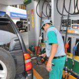 Las naftas y el gasoil subieron 5% en todo el país