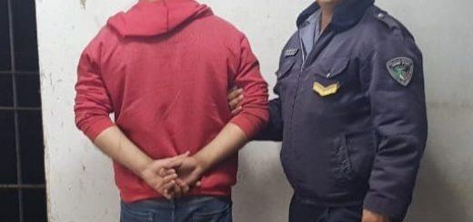Detuvieron en Posadas a un hombre por agredir y amenazar a su pareja con un cuchillo