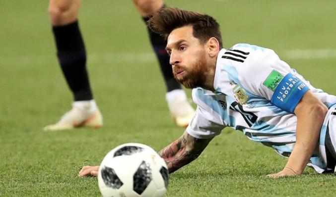 """#Mundial2018: Al filo del abismo Sampaoli se aferró al """"equipo de Messi"""" y puede quedar marcado por el mayor papelón de la historia"""