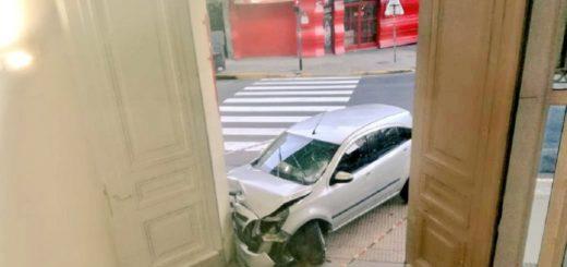Un conductor alcoholizado se estrelló contra la puerta del Hospital de Niños Ricardo Gutiérrez