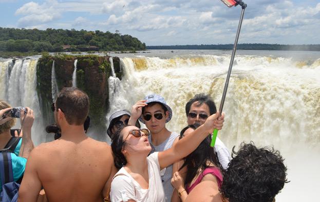 Vacaciones de invierno: Iguazú desborda de turistas y ya superó los números de julio de 2017