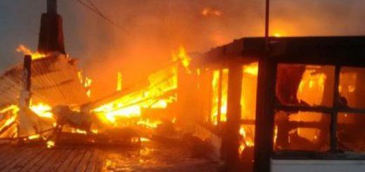 Un incendio destruyó una confitería ubicada en un centro de Esquí en la provincia de Chubut