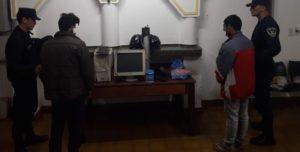 Jovencitos robaron en un salón de Leandro N. Alem  y terminaron detenidos
